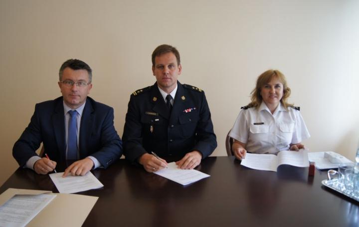Doposażenie PSP woj. lubuskiego w zestawy do odkażania i impregnacji ubrań specjalnych