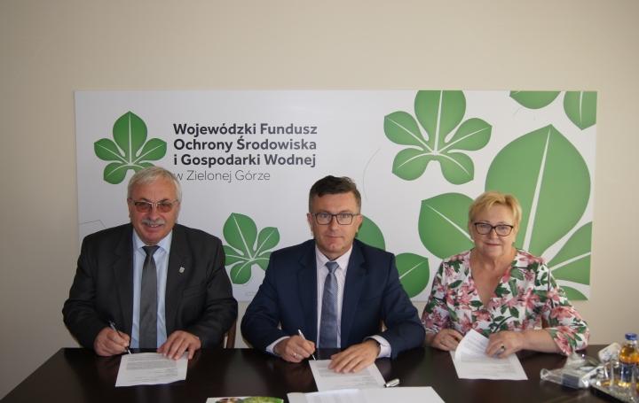 Kolejna umowa podpisana w ramach Ogólnopolskiego programu gospodarki wodno-ściekowej poza granicami aglomeracji ujętych w KPOŚK!